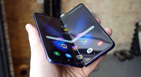 Forget the Galaxy Fold, we could get the Samsung Galaxy Roll